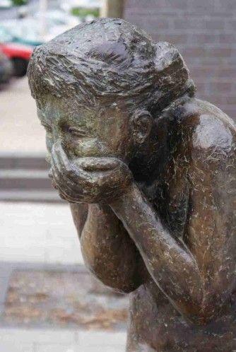 """""""Le fou rire"""" de Mauricette Toussaint . Angers. Maine-et-Loire"""