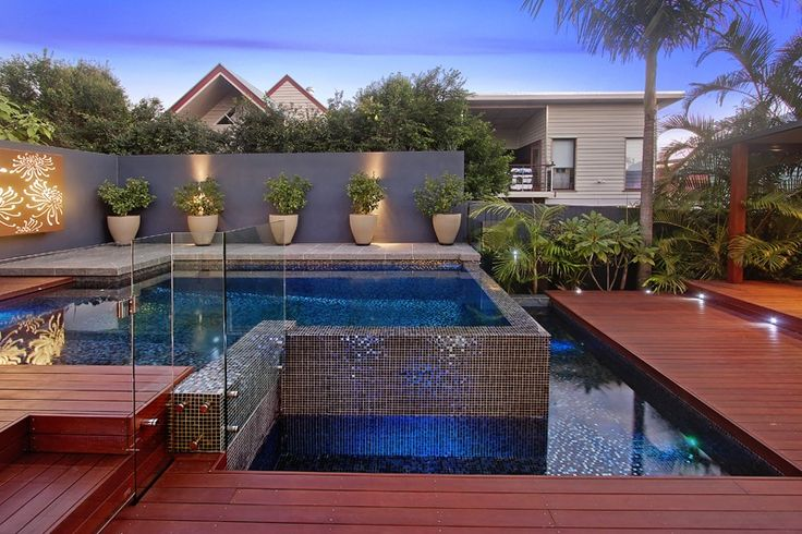 Timber pool deck brisbane deck builders brisbane timber for Pool design brisbane