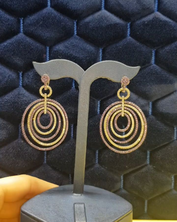 Lacin Ticaret Merkezi Xalqlar On Instagram Dunyanin Butun Sergilerinden Getirilmis Qizil Briliyant Zinet Jewelry Drop Earrings Instagram