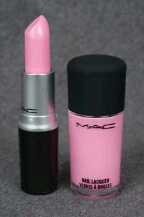 Pink lipstick & pink nail polish<3