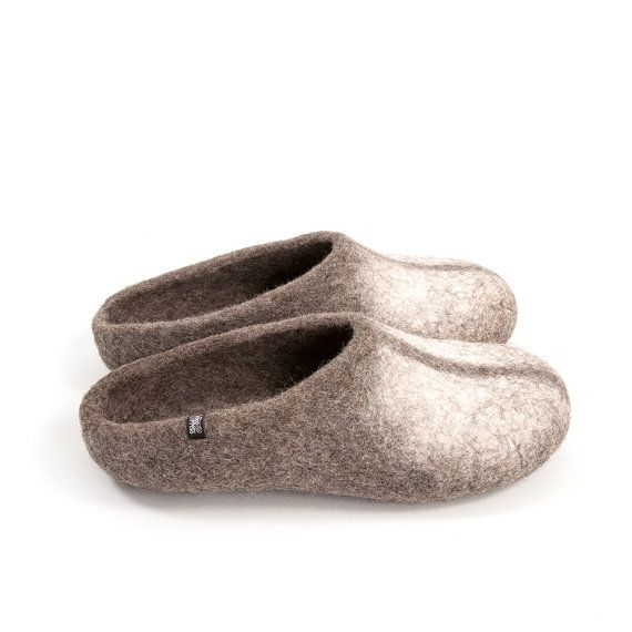 Organic Men's Felt Wool Slippers, Low back / Natural Grey & White,  Woolen Slippers by Wooppers with no slip suede patches on the sole