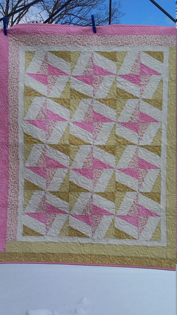 Best 25+ Crib quilt size ideas on Pinterest   Crib quilts, Baby ... : handmade quilt sizes - Adamdwight.com