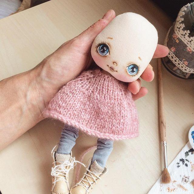 В процессе малышка, люблю их даже лысенькими;) доброго дня! Куколка будет готова…