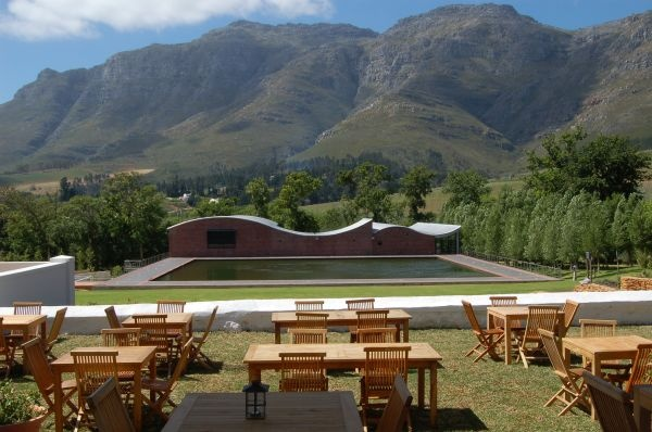 Outdoor restaurant, Dornier Stellenbosch