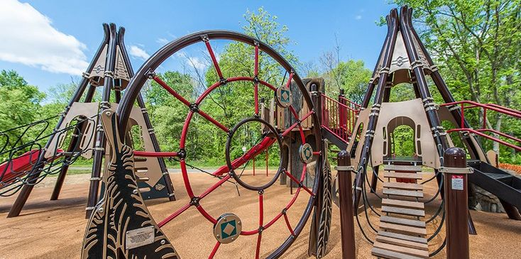 Indian Creek Playground - Native American-Themed Playground..... 30 minute drive