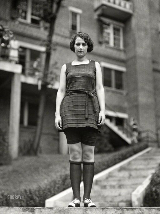 """miss washington in bathing suit"" - 1922 - apparently rouging one's knees was a popular make up fad at the time. Very brave of her to be out in the cold in such thin clothing lol"