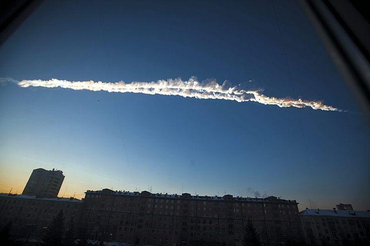http://passeurdesciences.blog.lemonde.fr/2013/11/06/des-chercheurs-percent-le-secret-de-la-meteorite-tombee-en-russie-en-fevrier/?utm_source=dlvr.it&utm_medium=twitter#xtor=RSS-3208