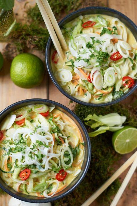 Grünes Thai Curry mit Zucchini Möhre und Pak Choi |Ohne Fischsauce ist das Rezept vegan