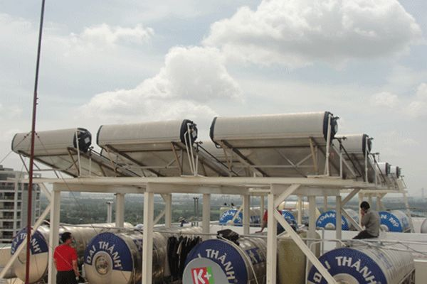 Layanan service solahart daerah cempaka putih cabang teknisi jakarta pusat CV.SURYA MANDIRI TEKNIK siap melayani service maintenance berkala untuk alat pemanas air Solar Water Heater (SOLAHART-HANDAL) anda. Layanan jasa service solahart,handal,wika swh.edward,Info Lebih Lanjut Hubungi Kami Segera. Jl.Radin Inten II No.53 Duren Sawit Jakarta 13440 (Kantor Pusat) Tlp : 021-98451163 Fax : 021-50256412 Hot Line 24 H : 082213331122 / 0818201336 Website : www.servicesolahart.co