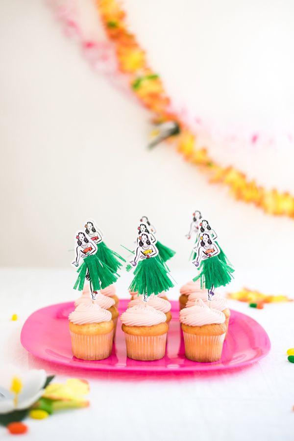 Hula Dancer Cupcake Toppers DIY