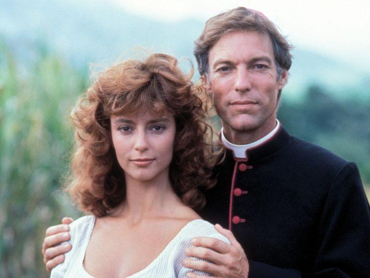 UCCELLI DI ROVO – Miniserie Televisiva – (1983)  (The Thorn Birds) è una miniserie televisiva del 1983 diretta dal regista Daryl Duke e tratta dall'omonimo romanzo di Colleen McCullough.