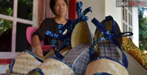 Kisah Sukses bisnis sepatu pelepah pisang