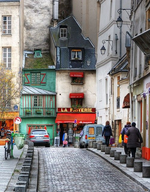Paris streets: France Travel, Color, Green Beans, Paris France, Old World Charms, Paper Design, Rue Galand, Weights Loss, La Friteri