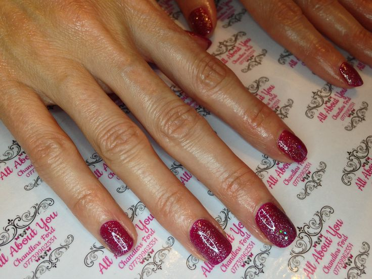 it's all about the sparkle this month. #christmas #glitter #nails #gel