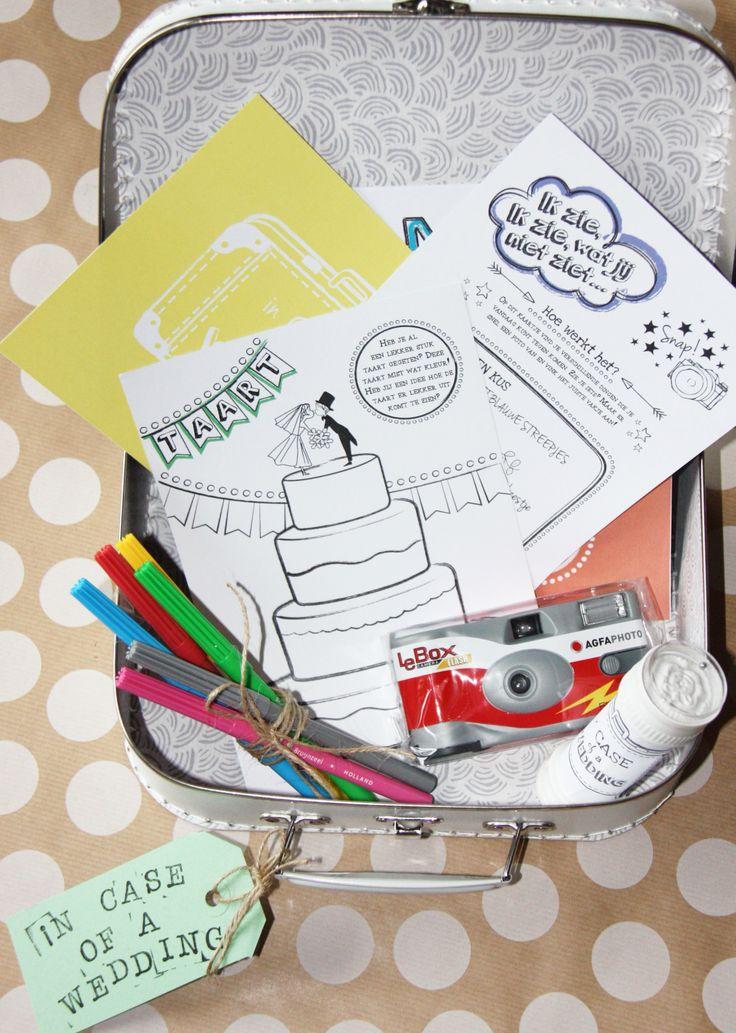 Kinderen op je bruiloft? Met deze leuke activiteiten koffer (in case of a wedding) van Out of the Box event & weddingplanning hou je kids lekker bezig! Onder andere te koop via: http://www.versieringbruiloft.com/c-235126/voor-kinderen  #kinderen #bruiloft #koffer
