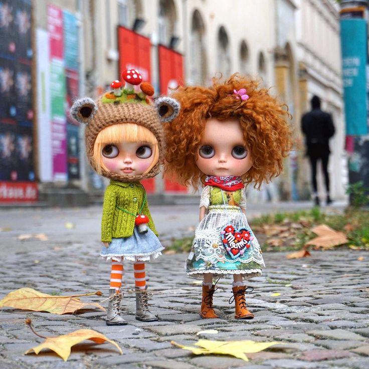 ..good morning Berlin.. #miema #miemadollhouse #berlin #madeinberlin #germany #street #streetstyle #style #europe #love #takaratomy #sony #blythe #doll #girls #two #licca #azone #barbie #autumn #walk #prenzlauerberg #city #toys #instagram