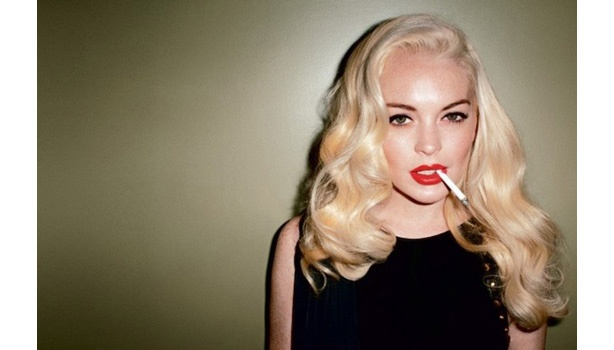 Lindsay Lohan! She's looking pretty good here, except for the cigarette. Girl, you gotta quit that!