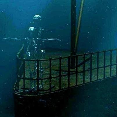 Real Underwater Titanic Pictures