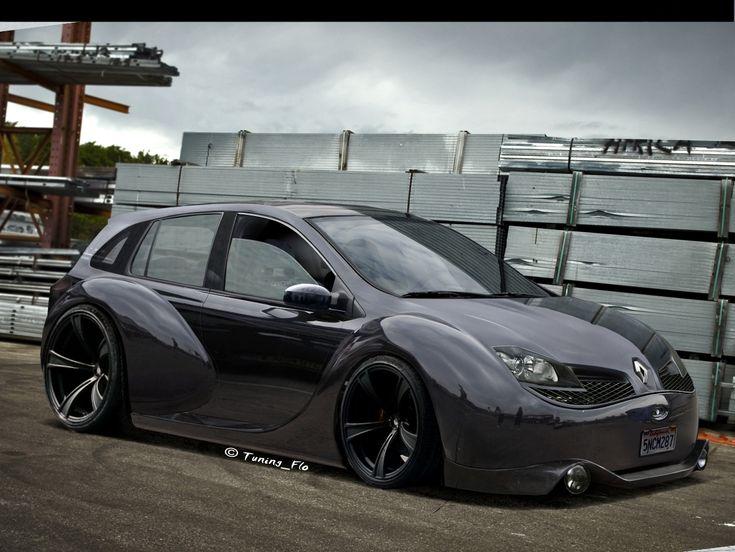 Renault Clio- Black monster