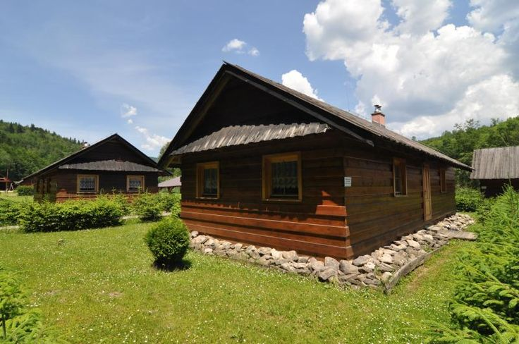 8 Bedroom Bungalow in Martin to rent from £282 pw. With Sauna and TV.