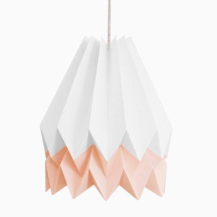 PLUS polarweiße Origami Lampe mit rosa Streifen von Orikomi