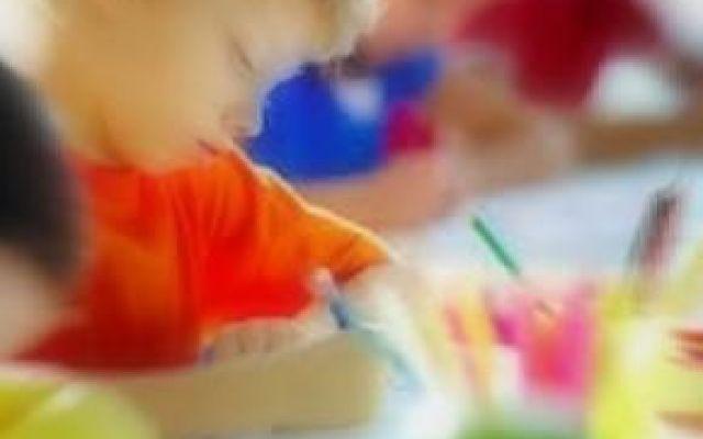 La salute dei ragazzi danneggiata dagli orari della scuola? Gli orari scolastici creano problemi ai bambini e agli adolescenti? Secondo gli studi recenti, quelli della scuola italiana potrebbero influire in maniera negativa sul sonno e di conseguenza anche su #scuola #miur #salute