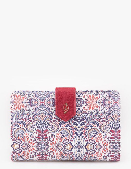 At Stradivarius you'll find 1 Folk print travel wallet for woman for just 129.9 HRK . Visit now to discover this and more PURSES.