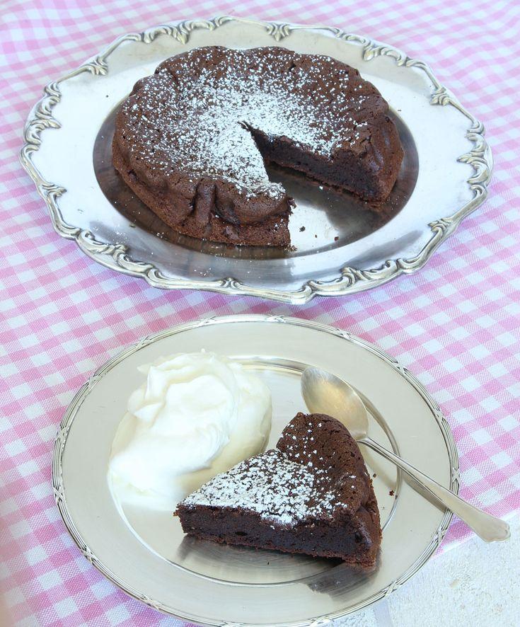 Chokladtårta md bara 2 ingredienser