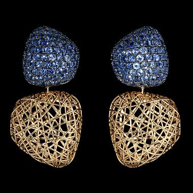 Mousson atelier, collection Rolling Stones, earrings, Yellow gold 750, Sapphires