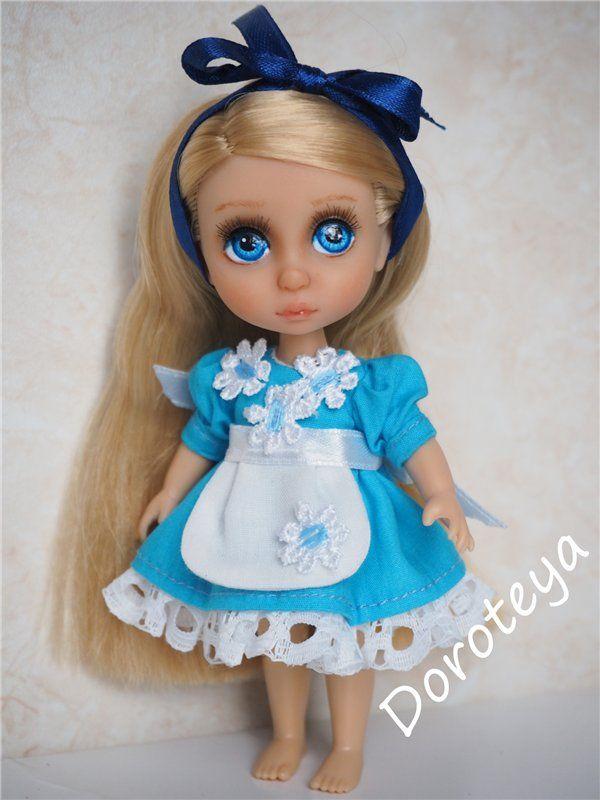 Как не любить Алису?!! ООАК куклы мини-Рапунцель от Disney Animators / Умница Алена, Анюта, Принцессы Диснея и другие куклы от Playmates / Бэйбики. Куклы фото. Одежда для кукол