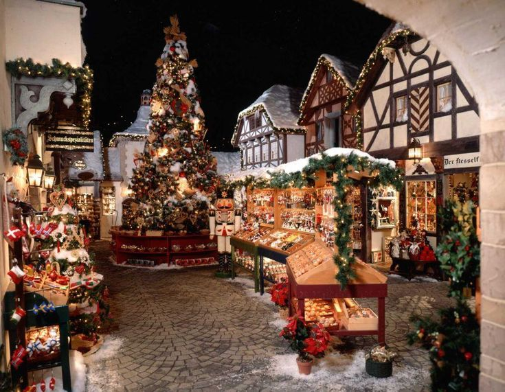christmas villages | Yankee Candle South Deerfield Bavarian Christmas Village
