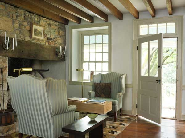 Calm Clean Lines Relaxing American FarmhouseCountry