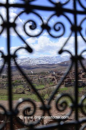 kasbah, mountains, morocco www.joerg-romstoetter.com/reisen