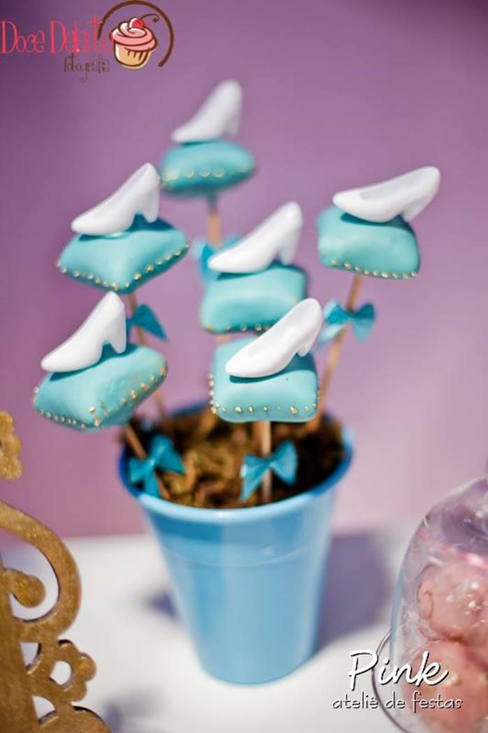 ADORABLE CAKE POPS! Sofia the First Princess Party with So Many Cute Ideas via Kara's Party Ideas | KarasPartyIdeas.com #DisneyPrincessParty #SofiaTheFirstParty #princesscakepops