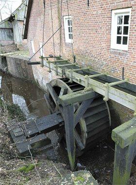 De molen van Frans is één van de twee watermolens langs de Mosbeek (de molen van…