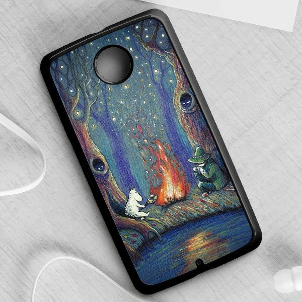 SNUFKIN AND MOOMIN'S NIGHT case provides a protective yet stylish shield between your Nexus 6 and accidental bumps, drops, and scratches. Features slim and lightweight profile, precise cutouts, and pr