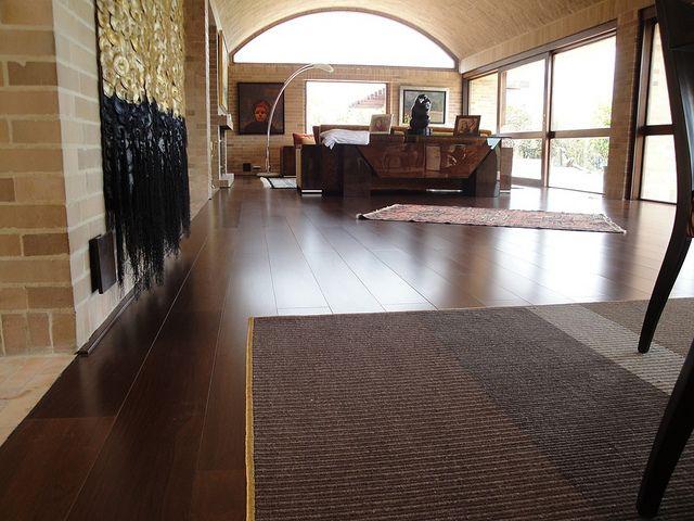 M s de 25 ideas incre bles sobre escaleras de madera for Pisos de madera color gris