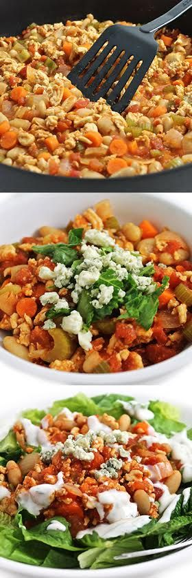 Low Calorie, Gluten-free, Buffalo Turkey Chili. Serve in a bowl, top a salad or stuff a baked potato. Each yummy serving has only 185 calories, 3g fat & 3 SmartPoints. #glutenfree #dairyfree http://www.skinnykitchen.com/recipes/low-calorie-high-fiber-buffalo-turkey-chili/