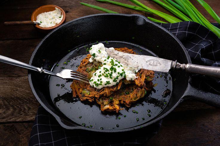 Potato pancakes with mushrooms. (Potato pancakes with champignons and vegetarian garlic sauce) #chaihona1 #vegetarian