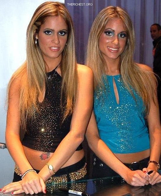 12 Celebs You Never Knew Had a Twin - YouTube
