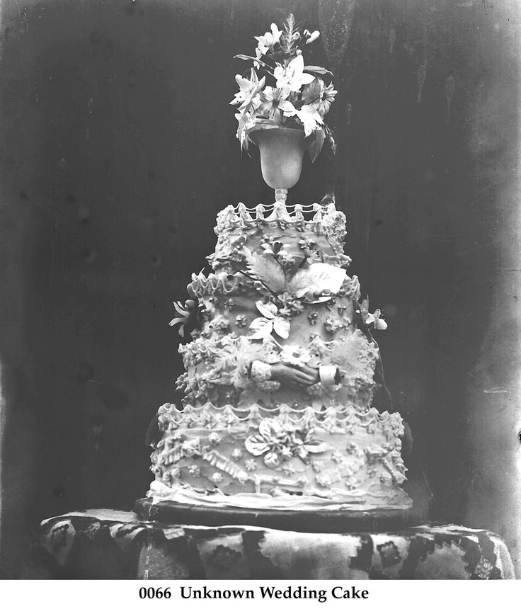 origin of saving wedding cake 1000 images about 1930s deco wedding ideas on 18065
