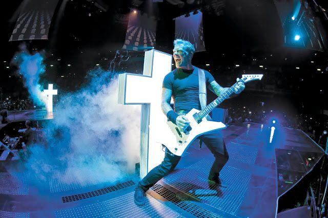 Cruces en el escenario de Metallica para Master of Puppets