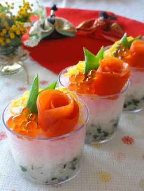 お花のカップ散らし寿司。|レシピブログ