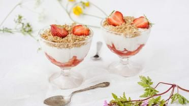 Plattekaas met gebakken aardbeien