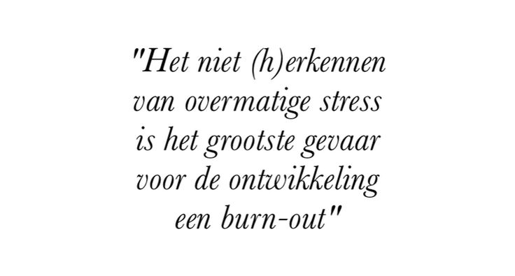 INTERVIEW MET PSYCHOLOOG KELLY WEEKERS: ZÓ VOORKOM JE EEN BURN-OUT: