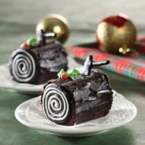 CHRISTMAS LOG CAKE http://www.sajiansedap.com/mobile/detail/14102/christmas-log-cake