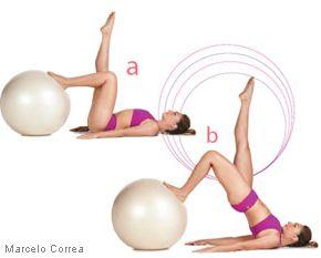 (PILATES) LOMBAR: não esqueça de respirar lentamente, na hora q levanta é que solta o ar, e não se esqueça de q todo exercicios do pilates a barriga tem q estar presa. Este mesmo exercício  com bola pode ser feito no colchonete e é bem mais fácil.