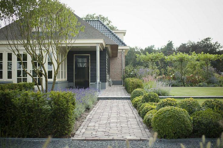 buytengewoon.nl - Landelijke tuin met nostalgische veranda