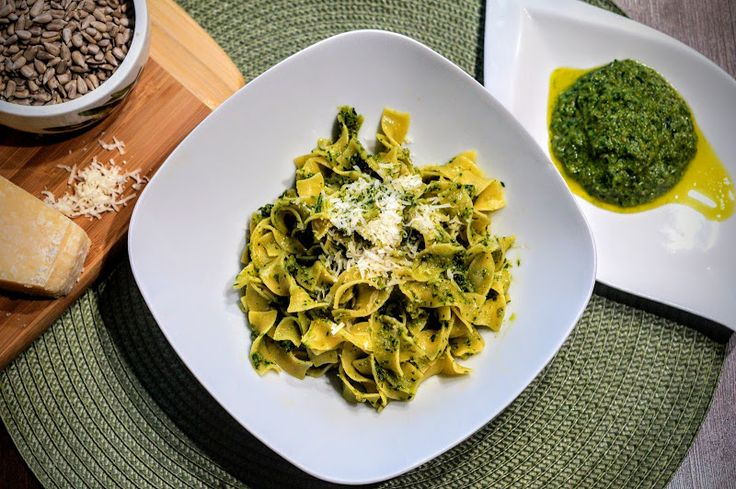 Fit & Fast Kitchen: Pesto z natki pietruszki i nasion słonecznika