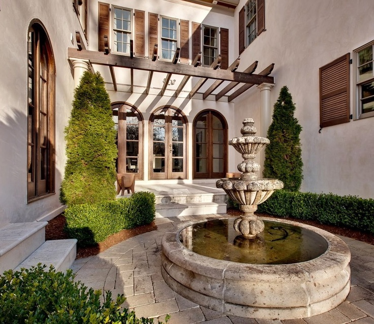 Mediterranean Style Courtyard: Best 25+ Mediterranean Homes Exterior Ideas On Pinterest